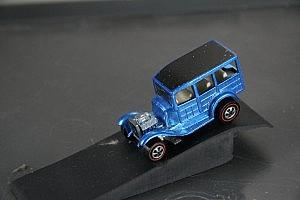 Hot Wheels Redline Classic 31 Ford Woody