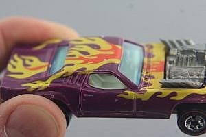 Hot Wheels Redline Flying Colors Roger Dodger White Interior