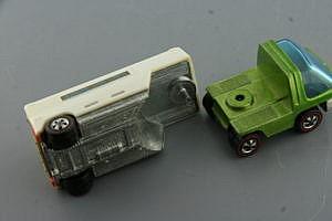 Hot Wheels Redline Heavyweights Moving Van